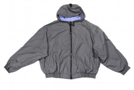 Купить Куртка-ветровка большого размера бомбер из плащевки серого цвета и цвета бордо с капюшоном на подкладке из флиса за 3600 руб. в интернет-магазине Мой-размер - Магазин Мой-Размер